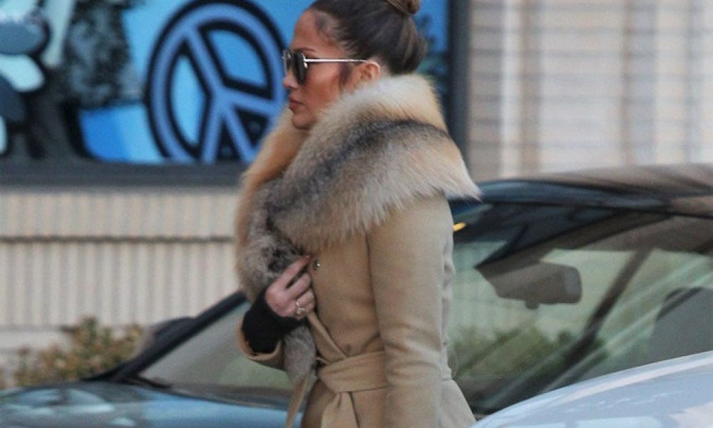 Photos : Jennifer Lopez : Son shopping de Noël en grande pompe