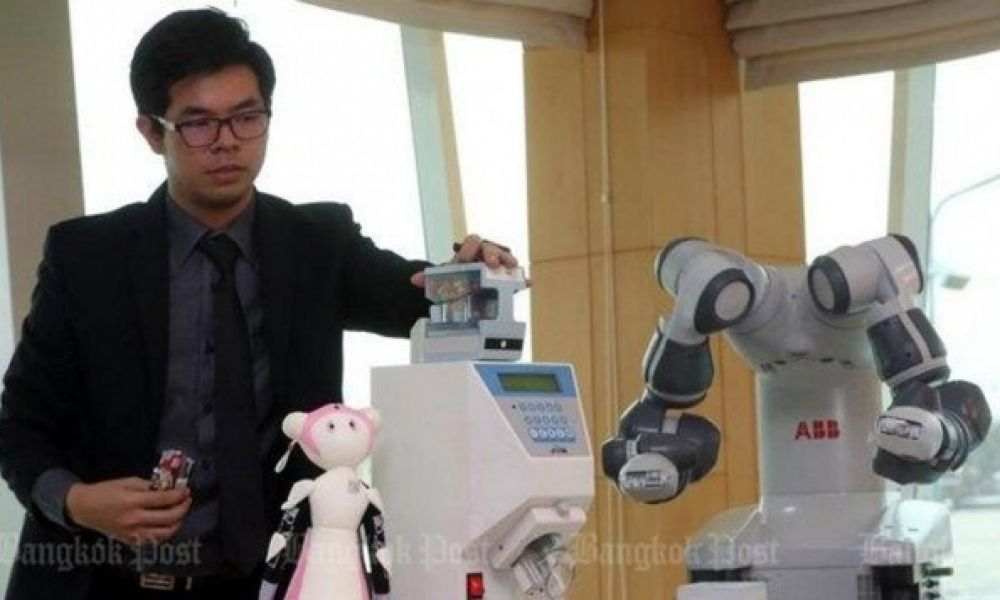 Thai hospital set to introduce eight robots at its pharmacies