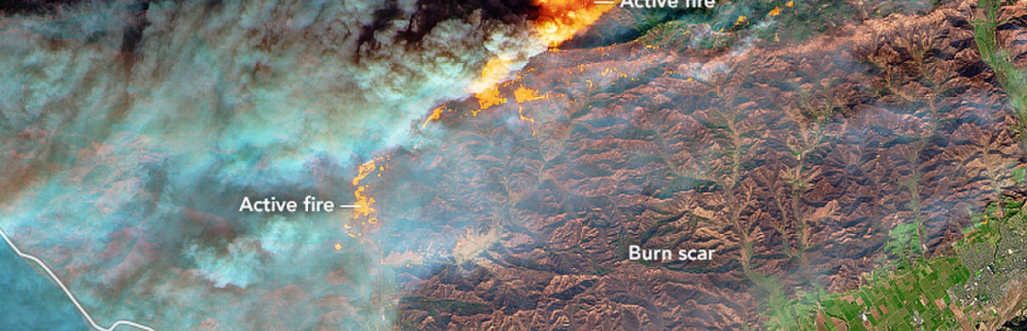 Raging Southern California Wildfires Seen from Space (Photos)