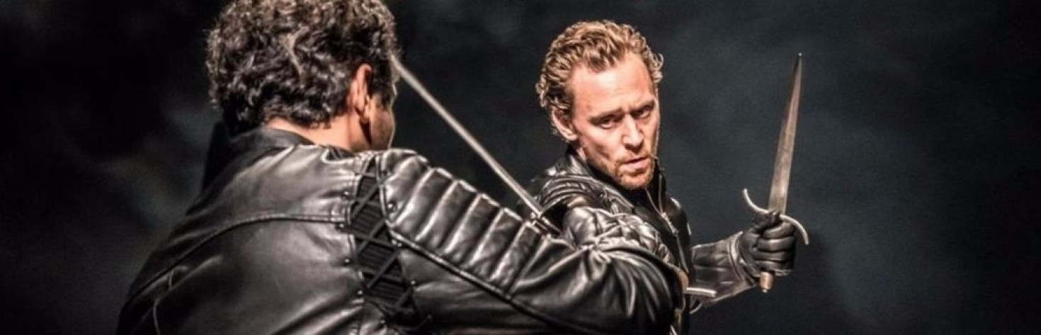 Tom Hiddleston`s Hamlet praised by theatregoers