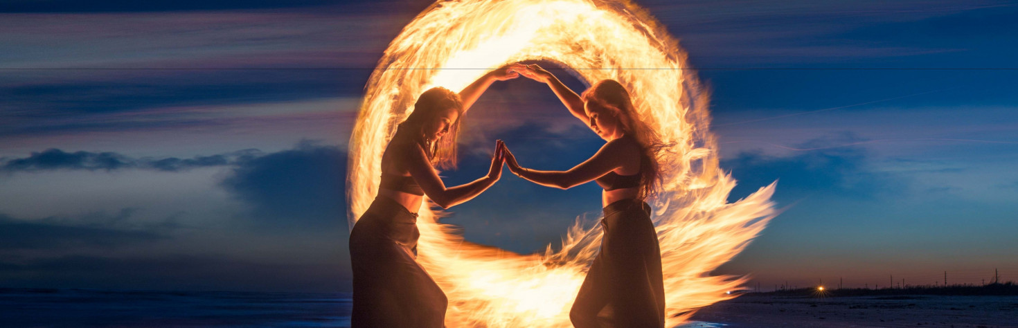 How a photographer created fantastic light painting with fire