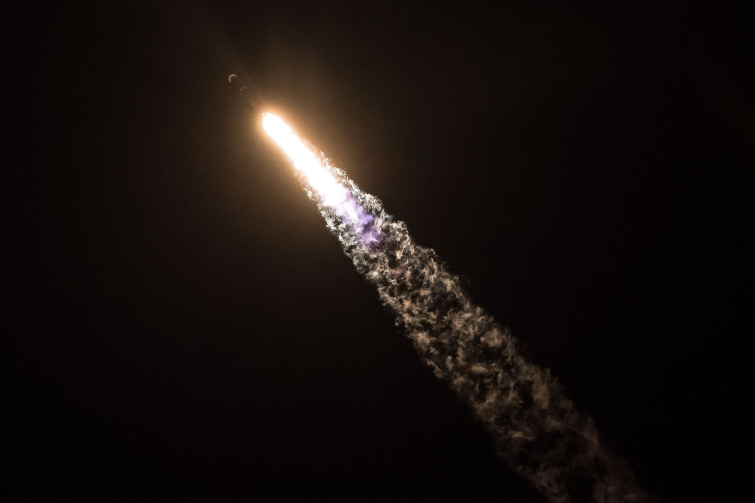 SpaceX Says Falcon 9 Rocket Performed as Expected During Zuma Launch