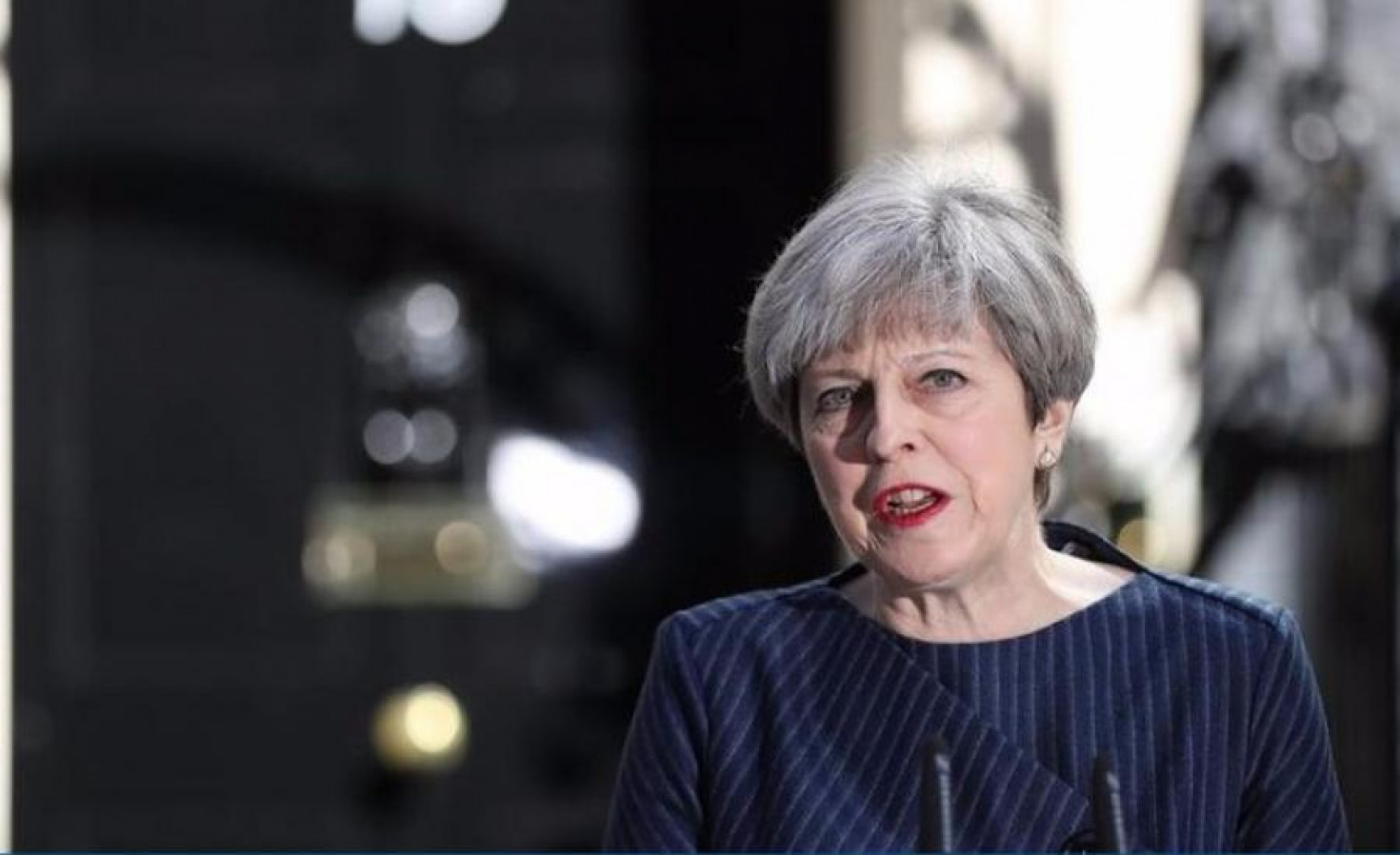 Theresa May calls UK general election for 8 June