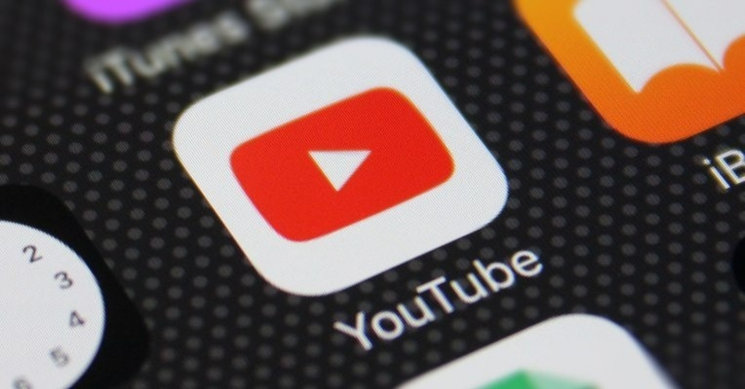 YouTube iOS apps jumps to the top of the US App Store following the recent update for access to live streaming