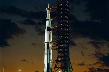 10 Surprising Facts About NASA`s Might Saturn V Moon Rocket