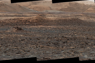 Curiosity Rover Spies Sand Dunes on Mars & Ancient Freshwater...