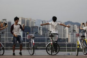 In Seoul, a new sharing economy takes hold-one that leaves Uber and Airbnb in the cold