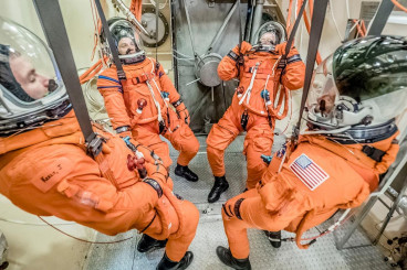 Orion Spacesuits Put to a Vacuum Test at NASA (Photos)