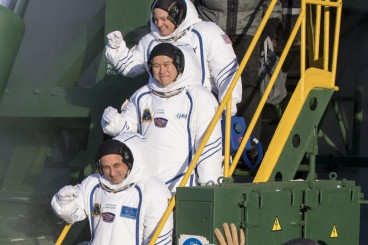 Soyuz Rocket Braves Freezing Temperatures, Sends Next Space Station Crew to Orbit