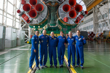 Space Science Work Today as New Crew Waits for Launch