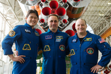 Space Travelers Arrive at Station after Two-Day Trip