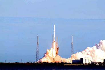 SpaceX gelingt Start recycelter Raumkapsel und Raketenstufe
