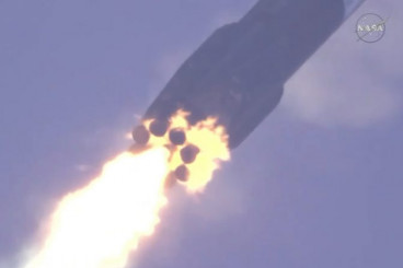 Videos: Falcon 9 Sends Dragon to Orbit, Flight-Proven Booster Returns to Cape Canaveral