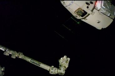 Astronauts Capture Dragon Loaded With New Science