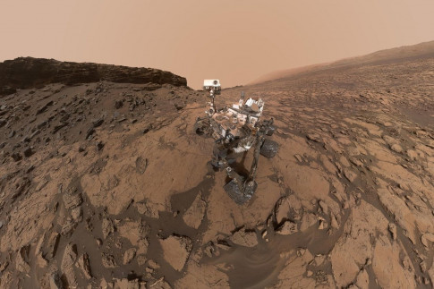 After 5 Years on Mars, NASA`s Curiosity Rover Is Still Making...