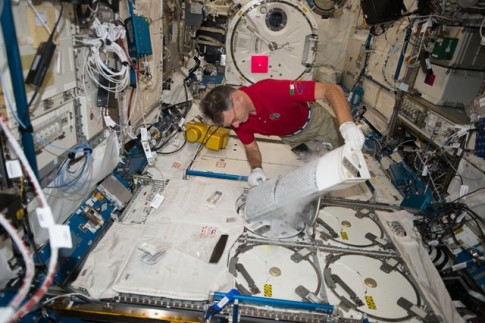 Astronauts Look at Ways to Prevent Space Headaches and Bone Loss