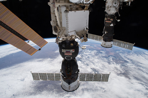 Crew Waits for Russian Delivery Day Before U.S. Spacewalk – Space Station