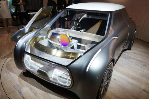 Mini`s transparent concept car is built for sharing