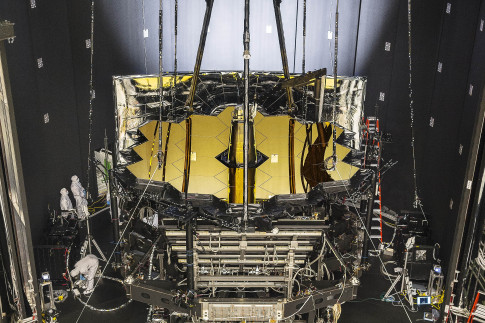 NASA`s Webb Telescope Gets Freezing Summertime Lodging in Houston