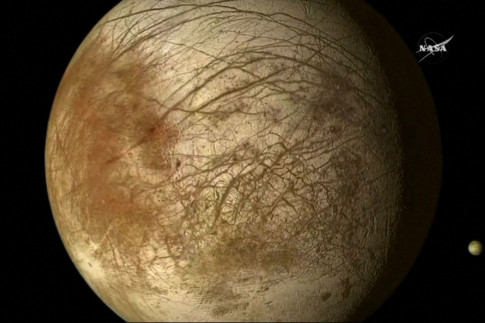 Organic compounds found by Saturn moon mission