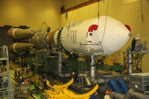 Photos & Video: Soyuz Rocket Assembly for large Cluster Launch