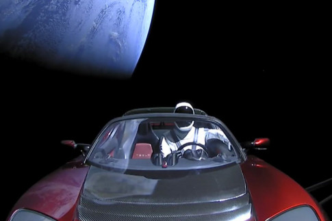 Radiation Will Tear Elon Musk`s Rocket Car to Bits in a Year