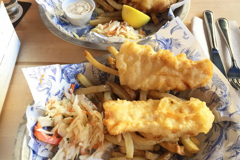 Review: Grandin Fish `N` Chips - LINDA HOANG | EDMONTON BLOG