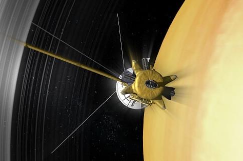 Saturn: Cassini liefert überraschende Messdaten