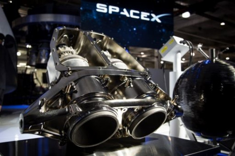 SpaceX cuts Plans for Powered Dragon Landings, places Focus on...