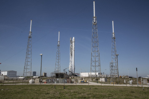 SpaceX Delays Launch of Used Rocket for NASA Cargo Delivery Mission