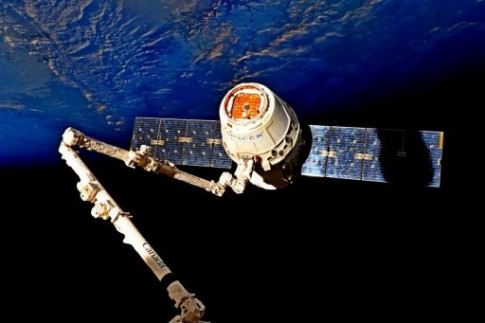 SpaceX Dragon Parachutes to Pre-Sunrise Splashdown, capping...