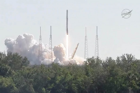 SpaceX Launches (and Lands) Used Rocket on Historic NASA Cargo Mission