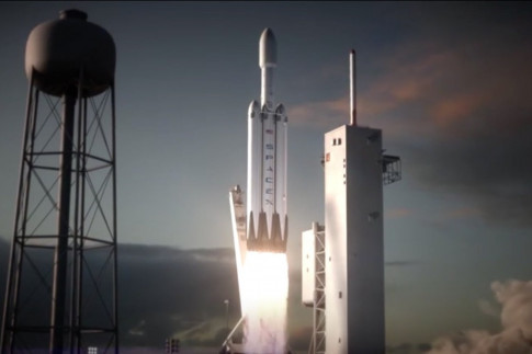 SpaceX`s Big New Rocket May Crash on 1st Flight, Elon Musk Says