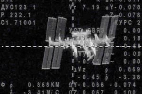 Three-man crew reaches International Space Station