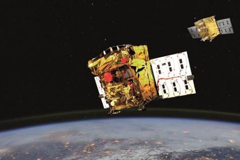 Wächter im All, virtuelle Rover-Missionen und ein hüpfender...