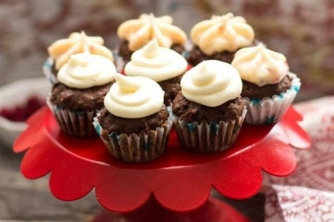 Chocolate Beet Mini Cupcakes with buttercream frosting -...