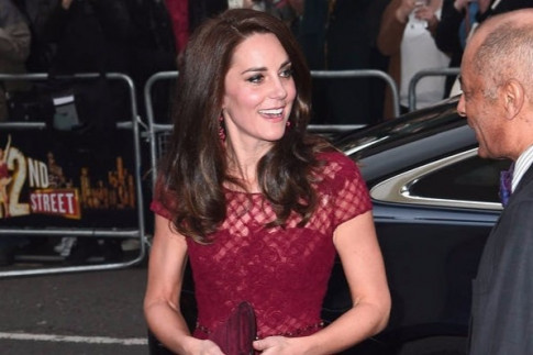 Kate Middleton stuns in Marchesa Notte at 42nd Street