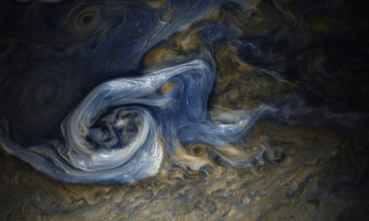 A Van Gogh Jupiter: Planet`s Clouds Swirl Like a Painting