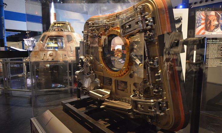 Apollo 11 spacecraft traveling exhibit lands at Space Center Houston (photos)   collectSPACE