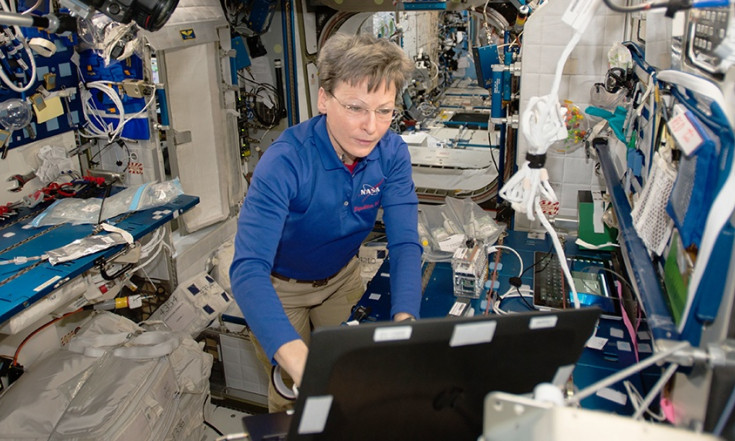 Astronauts Sharpen Dragon Release Skills and Examine Microbes