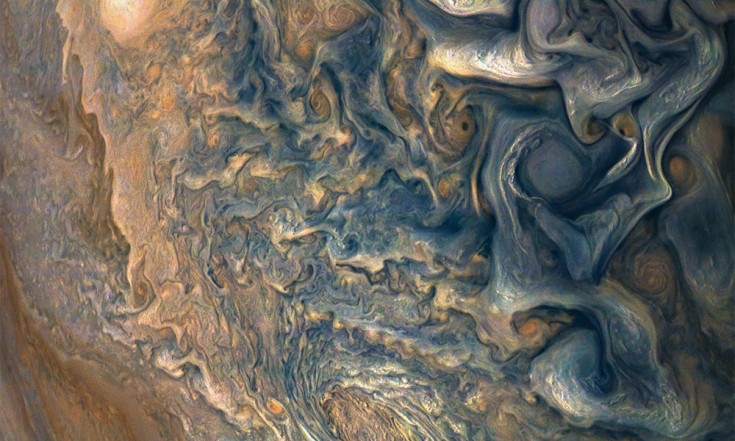 Blue Velvet: Jupiter`s Cloud Tops Appear Azure in New Juno Image