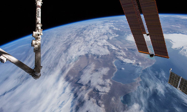 Crew Waits for New Cargo Delivery Date Amidst Spacewalk Preps – Space Station