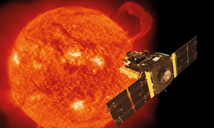 Drehung im Innern: Forscher lüften Rätsel um Sonnenkern -...
