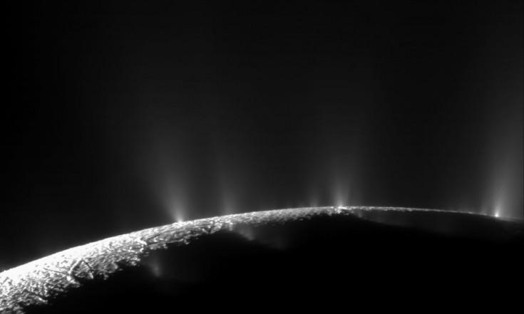 Enceladus: Das warme Innere des Saturnmonds