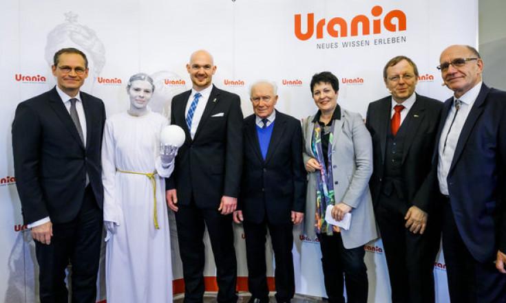 ESA-Astronaut Dr. Alexander Gerst erhält die Urania-Medaille 2017