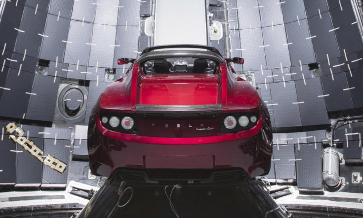 Falcon Heavy: Warum der Tesla in der Rakete modifiziert werden musste - WELT