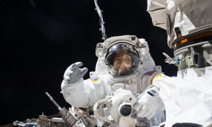 Gallery: Spacewalkers Work Outside Space Station to Repair Robotic Arm