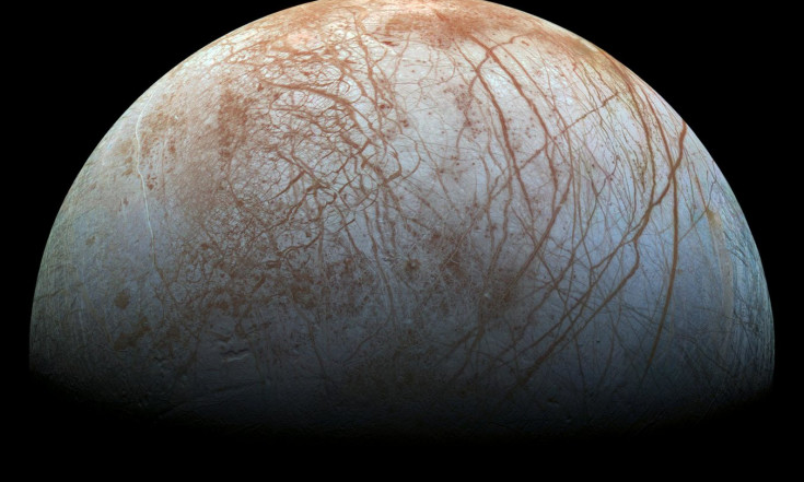 Icy Surface of Jupiter Moon Europa May See Slo-Mo Flow
