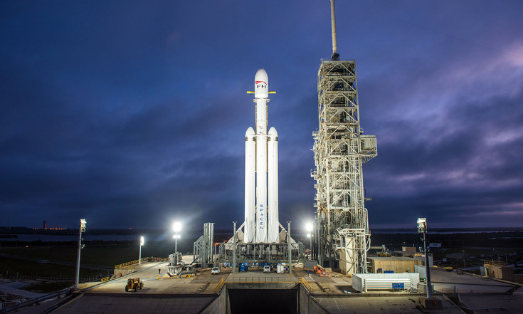 In Photos: SpaceX`s 1st Falcon Heavy Rocket Readies for Launch