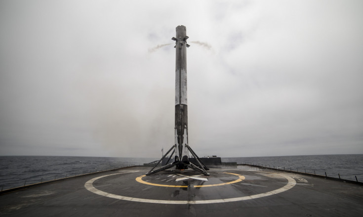 Iridium`s fourth Falcon 9 mission holding to Dec. 22 as other SpaceX missions slip - SpaceNews.com